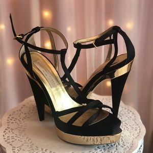Stella McCarthy gold and black heels 8.5